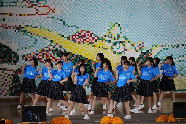 3年4組「桃太郎(ダンス)」(ステージ)